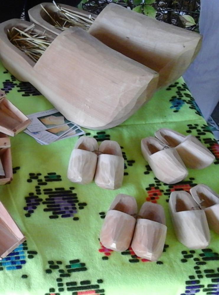 Izrada drvenih klompi Monostor